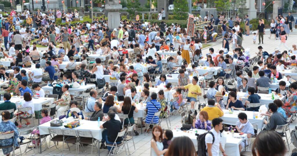 お祭りで盛り上がるイベント企画や催しを紹介、パントマイムイベント大道芸や芸術鑑賞は沢村誠一